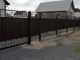 Кованный забор в Витебске